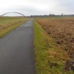 Ödnis am Kanal irgendwo bei Scharnebeck - wer hier Dreißiger übersteht, für den muss ein Marathon doch ein Klacks sein, oder?