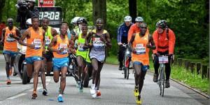 Die Zeit im Nacken haben die Topläufer. Aber auch mancher Normal-Marathoni fühlt sich von der Uhr gejagt.